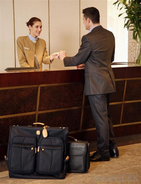 hotel front desk duties what are the different types of front office duties