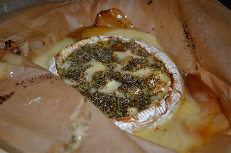 recette de cuisine camembert au four camembert au four au miel et herbes de provence mes p tites recettes ma p tite cuisine
