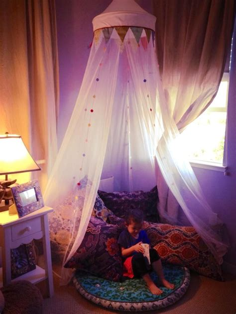 simple reading nook    ikea fabler canopy