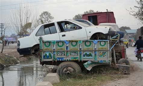 How Peshawar Policemen Get Away With Driving 'borrowed