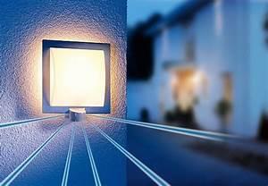 Lampe Mit Bewegungsmelder Außen : bewegungsmelder und sensoren beleuchtungstipps von obi ~ Frokenaadalensverden.com Haus und Dekorationen