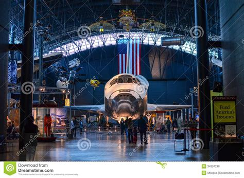Space Shuttle Discovery At National Air And Space Museum