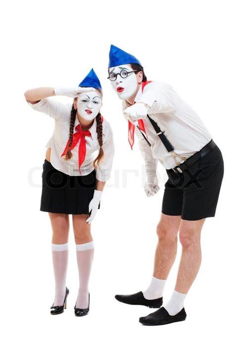 zwei mimen etwas anzusehen stock foto colourbox