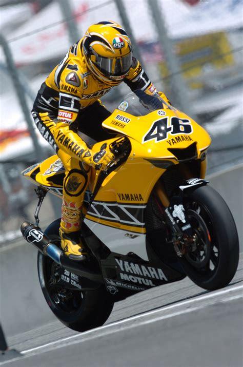motogp2005 usa gp laguna seca yamaha factory racing valentino yamaha yzr m1 yamaha race