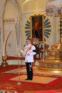 Long Live His Majesty King Maha Vajiralongkorn ...