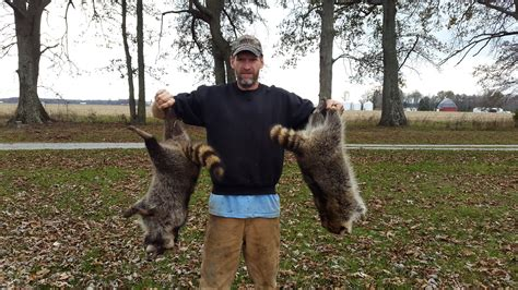 coon hunters  dying breed  hunting page