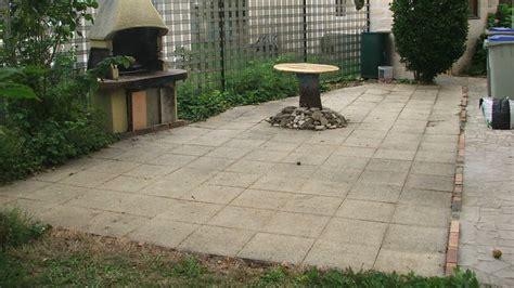 pose de pav 233 s en granit sur une terrasse