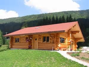 maison en bois auvergne la pessi 232 re lodge et chalet en bois ronds fuste rondin en bois ronds
