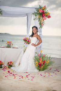 Bianca weddings collaborated with exhibitors from the for Video for weddings