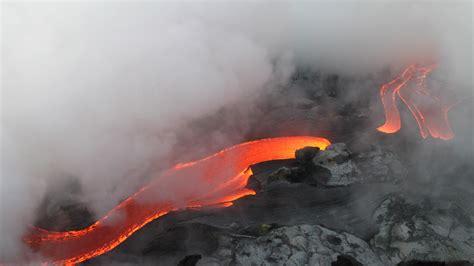 Download Wallpaper Flowing Hot Lava 3840x2160