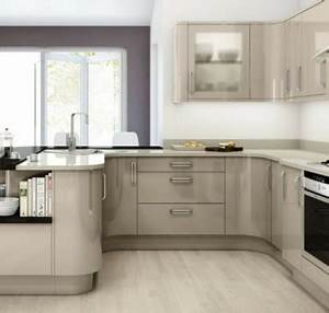 Schöne Küchen Für Kleine Räume : kleine k chen einrichten kleine r ume stellen die kreativit t auf die probe ~ Indierocktalk.com Haus und Dekorationen