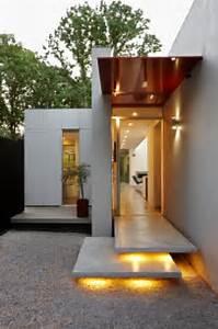 casas minimalistas y modernas accesos minimalistas con With exterior house lighting australia