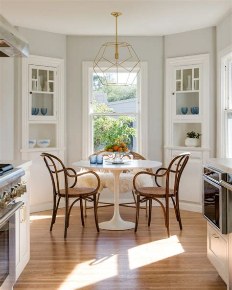 17 Spectacular Transitional Dining Room Designs You're