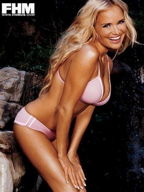 kristin chenoweth sexy kristin chenoweth bikini pinterest glee girls and