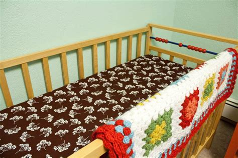Make Your Own Fitted Crib Sheet