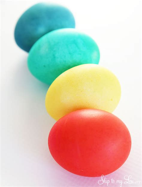 dye eggs with food coloring how to dye eggs with food coloring skip to my lou
