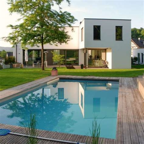 Moderne Häuser Mit Pool by Moderner Premium Pool Mit Ausgew 228 Hlen Und Hochwertigen