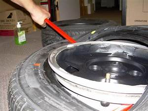 Changement Pneu Voiture : changer pneu voiture ~ Medecine-chirurgie-esthetiques.com Avis de Voitures