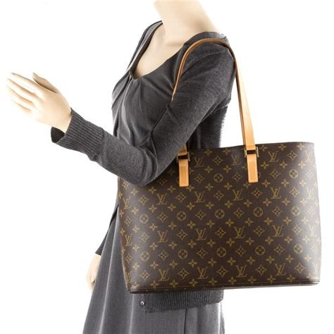 louis vuitton monogram luco tote bag pre owned
