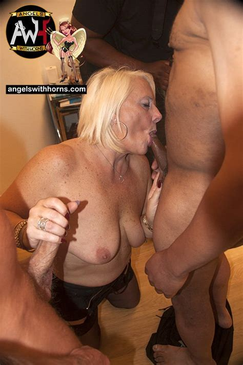 anita vixen sexy carol milf anf there friend photo album by angelswithhorns xvideos