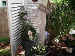 garten deko fensterladen fensterladen pinterest With französischer balkon mit alte fensterläden im garten