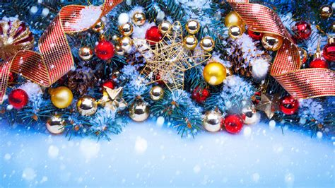 christmas tree decorations  holiday wallpapers