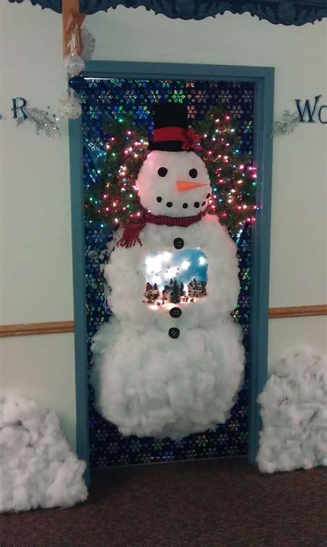 door    door decorating contest