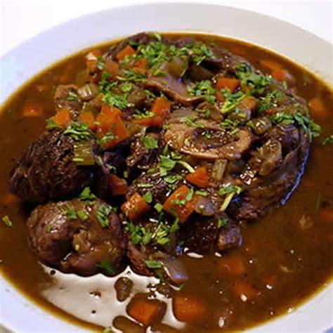 cuisiner un jarret de boeuf jarret de beuf vin cookeo un plat délicieux avec