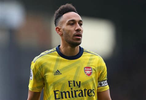 Aubameyang claims Arsenal haven't offered him a contract