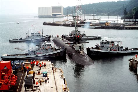 US Navy SSBN Launches Fleet Ballistic Missiles | at ...