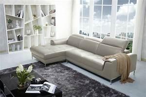 Le canape design italien en 80 photos pour relooker le salon for Tapis de couloir avec canape angle cuir italien design
