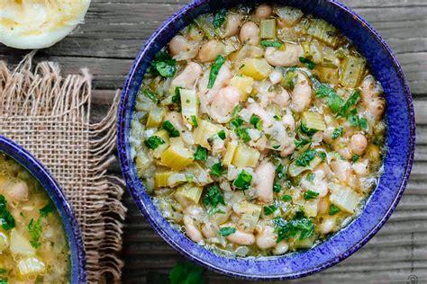 cuisiner haricots blancs fasolada soupe grecque de haricot manger méditerranéen