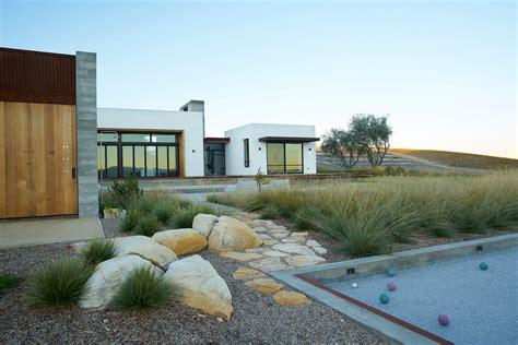 jeffrey gordon smith landscape architecture 2016 best of design award landscape gt private modern vineyard archpaper com