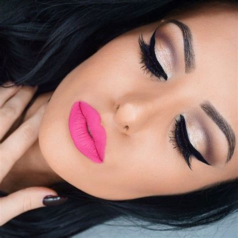 amrezys photo  instagram pink lipstick makeup pink eyeliner pink lipstick