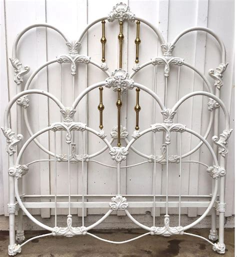 White Beds For Sale by Antique Iron Beds Vintage Bed Frames