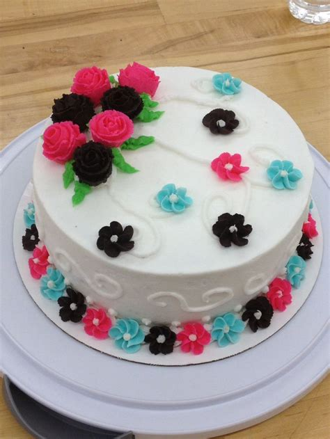 cake decorating tips 17 best ideas about wilton cake decorating on