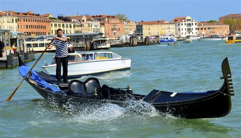 Gondola Boat Building Plans by Boat Gondola Boat Plans How To And Diy Building Plans
