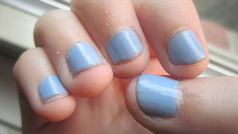sinful colors gel tech of pearls prettiness and pages nail of the day review