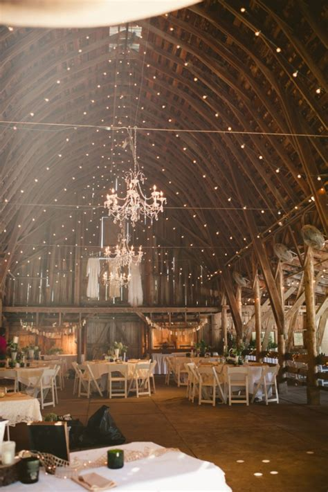 nebraska barn wedding rustic wedding chic