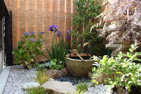 japanese gardening in small spaces japanese gardens small spaces and spaces on pinterest