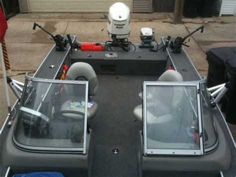 Lund Boats Vs Tracker by Chicago Fishing Reports Chicago Fishing Forums View