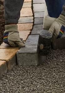 Gartenweg Pflastern Anleitung : steine verlegen mit diesen tricks ~ Articles-book.com Haus und Dekorationen