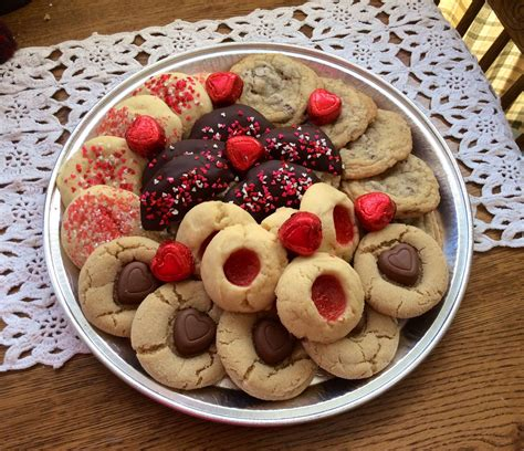 valentines day cookie tray iced sugar cookies