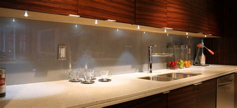Backpainted Glass Backsplash : Mirror Interiors / Projects / California Living