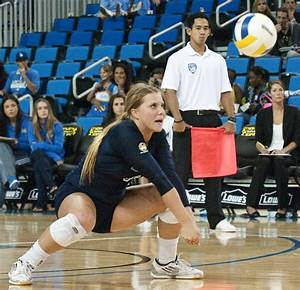 Women's volleyball falters in final season matches, misses ...