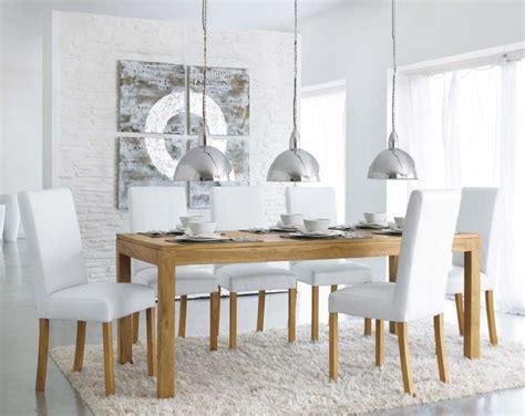 une table  diner en teck massif pas chere chez maisons du monde