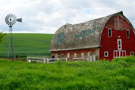 pictures of barns barn rick holliday