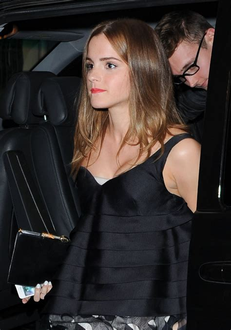 emma watson christian dior fashion show  paris
