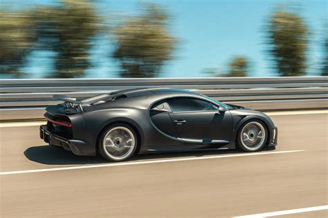 No doubt about it, anyone who tries to oppose it, is simply stupid. Bugatti Chiron Super Sport 300+ And Pur Sport Look Stunning Together | CarBuzz