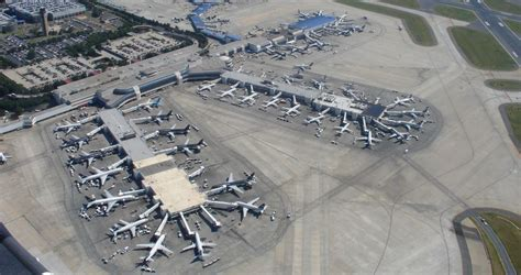 top  biggest airports   world
